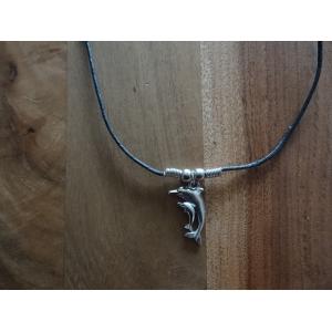 Ketting ( veter) met als hanger een 2 dolfijnen