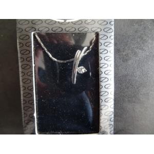 Ketting zilverkleurig met hanger nr. 17